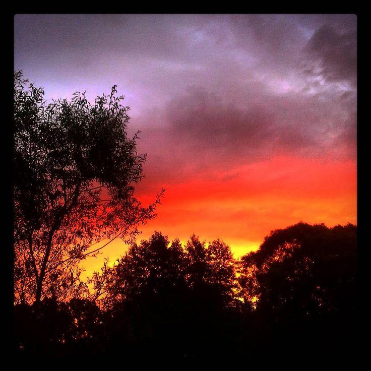 krásné ráno všem :-) #ráno #vychodslunce #sunrise #czechnature #příroda #nature #czech #mraky #clouds☁
