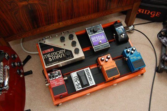 the 11 diy guitarist 39 s pedal board therapy creative and homemade. Black Bedroom Furniture Sets. Home Design Ideas