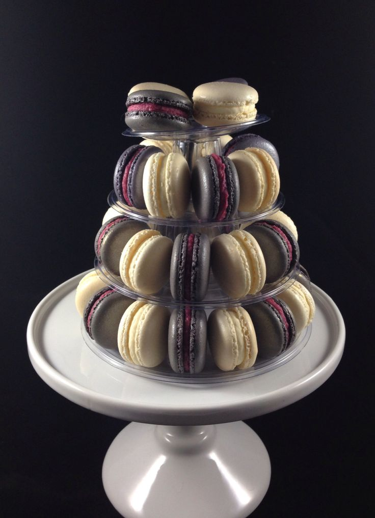 Mini macaron tower- four tiers fits up to 35 macarons comes with carry case. Easy transportation. Perfect gifts for any celebrations