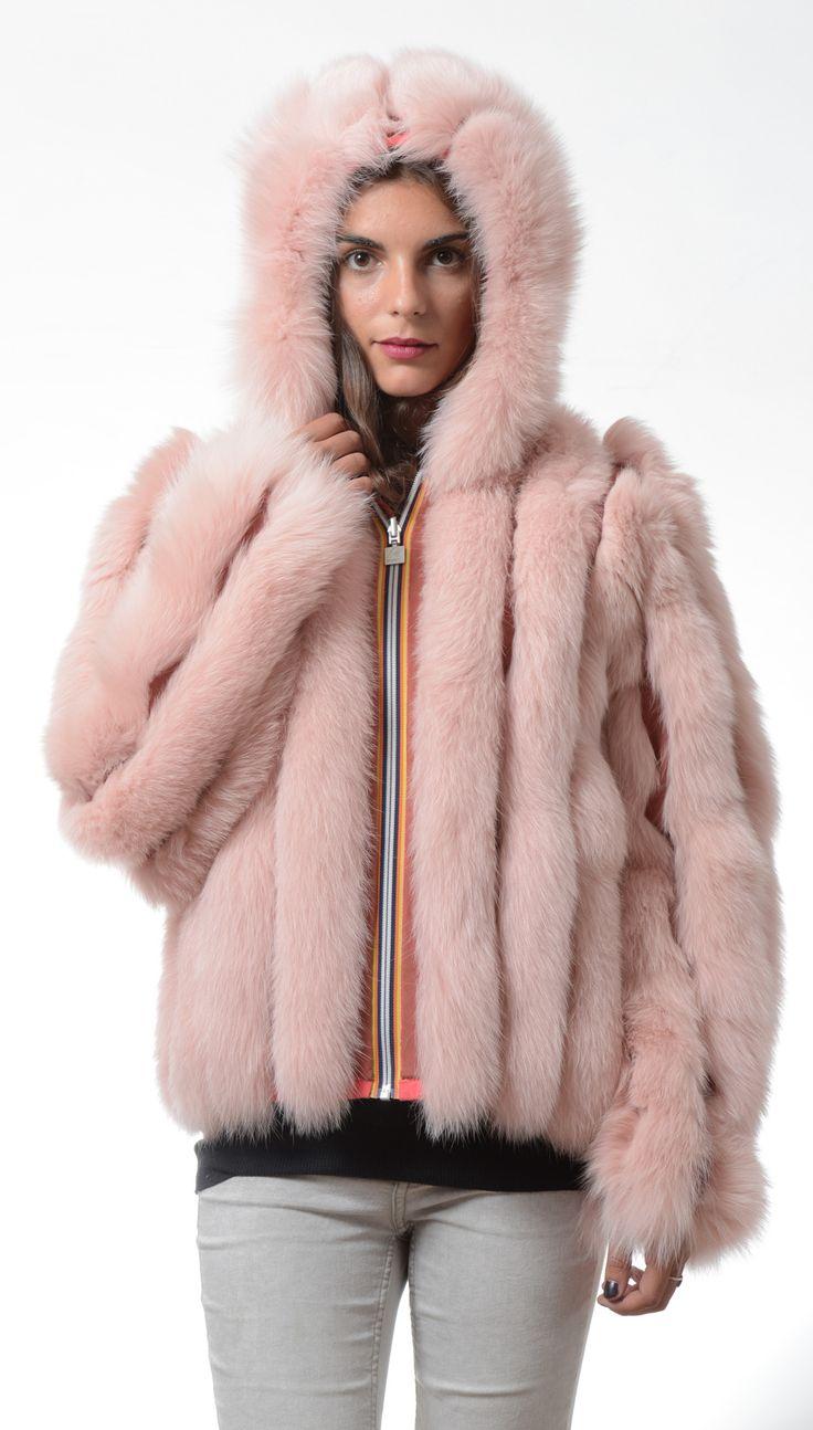 Furbe Transformer by Borello official e-tailer K-way. Reversible K-Way Jacket Trasforma la tua pelliccia in un capo nuovo ed esclusivo #fur #kway #jacket #reversible #winter #fashion #pelliccia #Torino