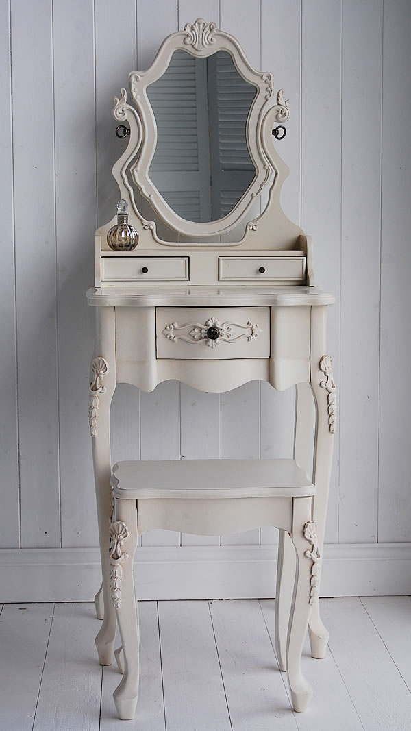 best 25 small dressing table ideas on pinterest small 19880 | 26f271228b1ce7e745f73443bddb9f7b small dressing table bedroom dressing table