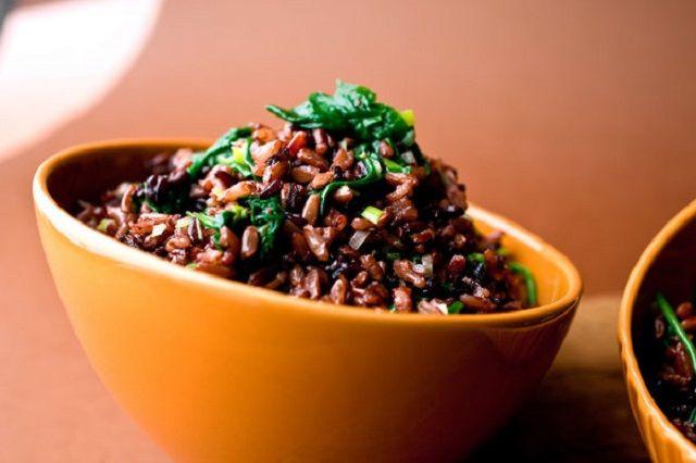 Scopriamo 5 ricette a base di riso rosso selvatico e le idee migliori per cucinarlo!
