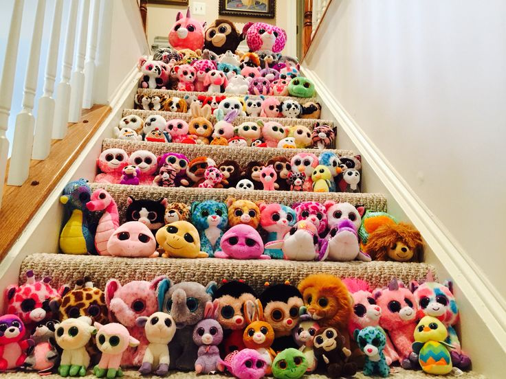 I've been trying to find out what the BIGGEST beanie boo collection is. This is only 111 beanie boos, but the best I've found is 187. The reason I want to know is because my cousin and I are trying to break the record... anyone have a number higher 187? Comment below if you do. Thanks.