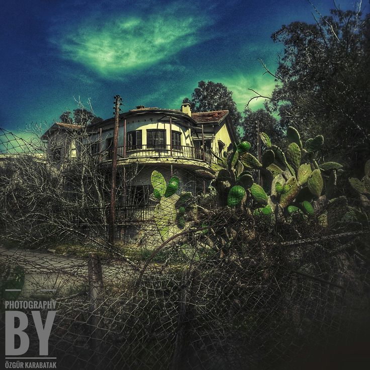 Kapalı Maraş  Bölgesinde terkedilmiş bir ev.... @streetofmine