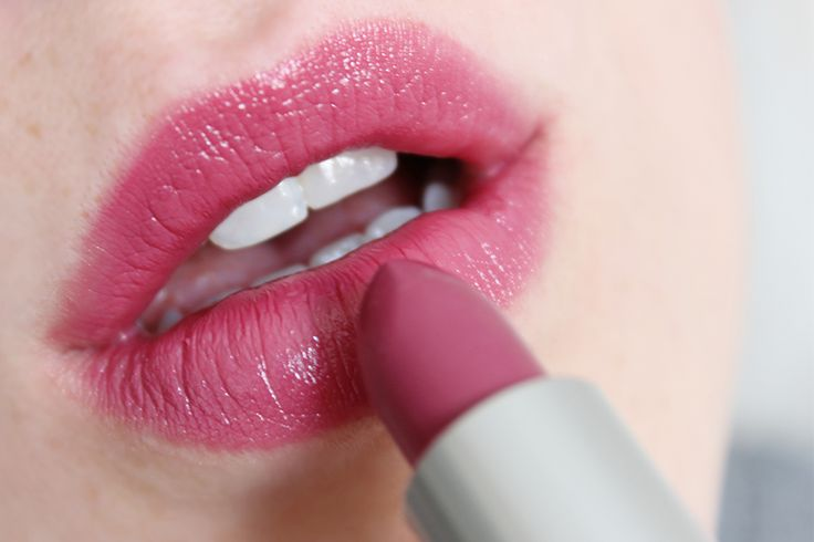 MAC Plumful Lipstick // Review & Swatches