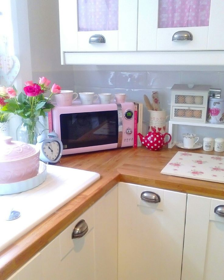 Shabby chic kitchen, pretty pastels and pink microwave