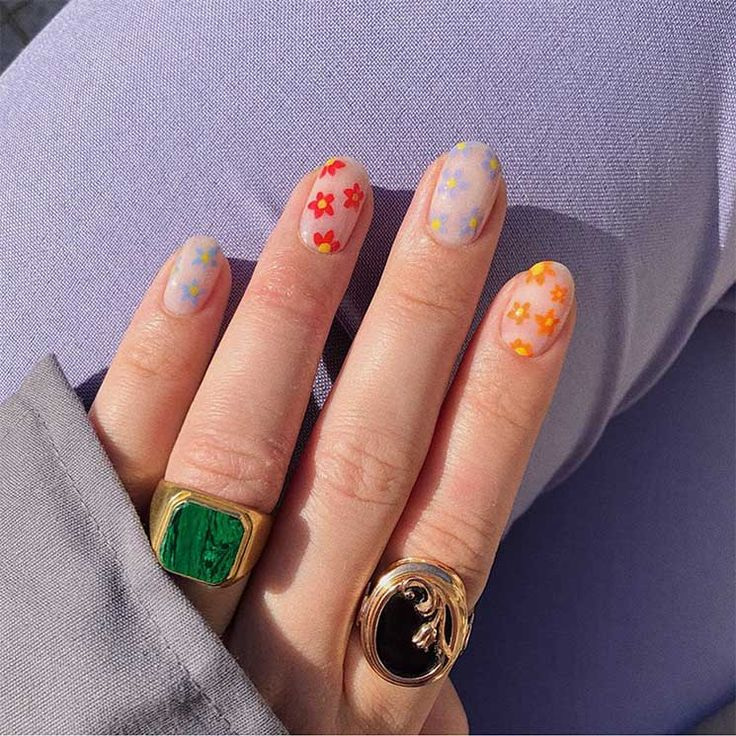 Uñas pastel: la tendencia en manicura que arrasa esta primavera 2020 - Foto 15 Nail Design Stiletto, Nail Design Glitter, Stiletto Nails, Daisy Nails, Flower Nails, Hair And Nails, My Nails, Funky Nails, Fire Nails