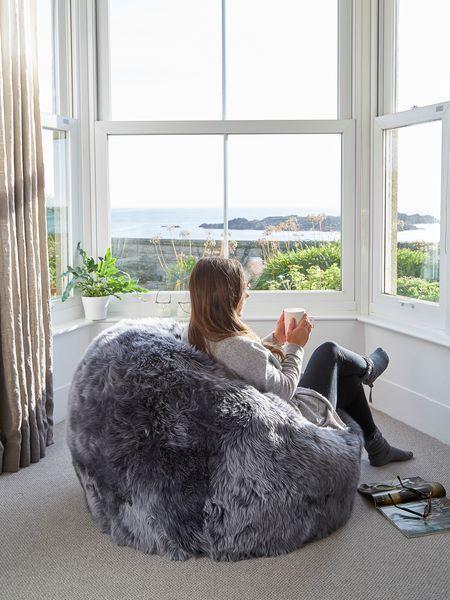Best 25 Sheepskin Rug Ideas On Pinterest Ikea Sheepskin Rug Sheep Rug And Fluffy Rug