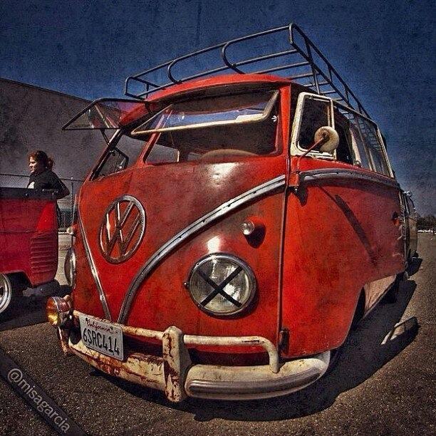 17 best dream garages images on pinterest dream garage for Garage volkswagen paris 13