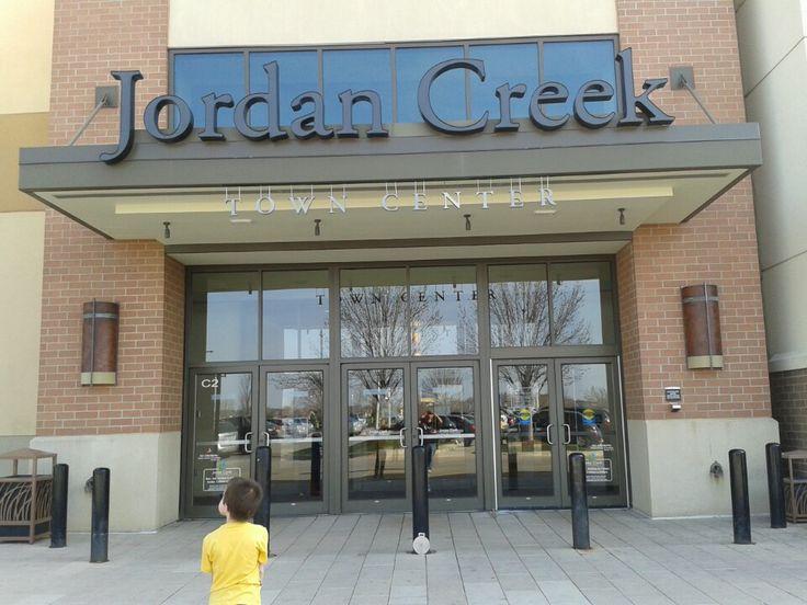 Jordan creek town center in west des moines ia iowa