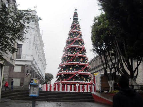 Encendido de árbol de Navidad en Guadalajara - http://www.bloquepolitico.com/encendido-de-arbol-de-navidad-en-guadalajara/