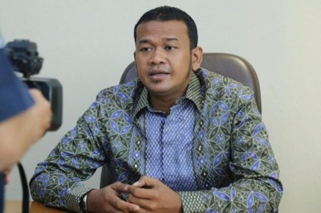 Waduh Di Jakarta Ada Kantor Lurah Mirip Kandang Ayam http://news.beritaislamterbaru.org/2017/06/waduh-di-jakarta-ada-kantor-lurah-mirip.html