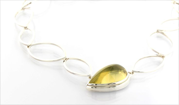PIMP YOUR NECK* handmade collier in polished silver, lemoncitrine cabochon