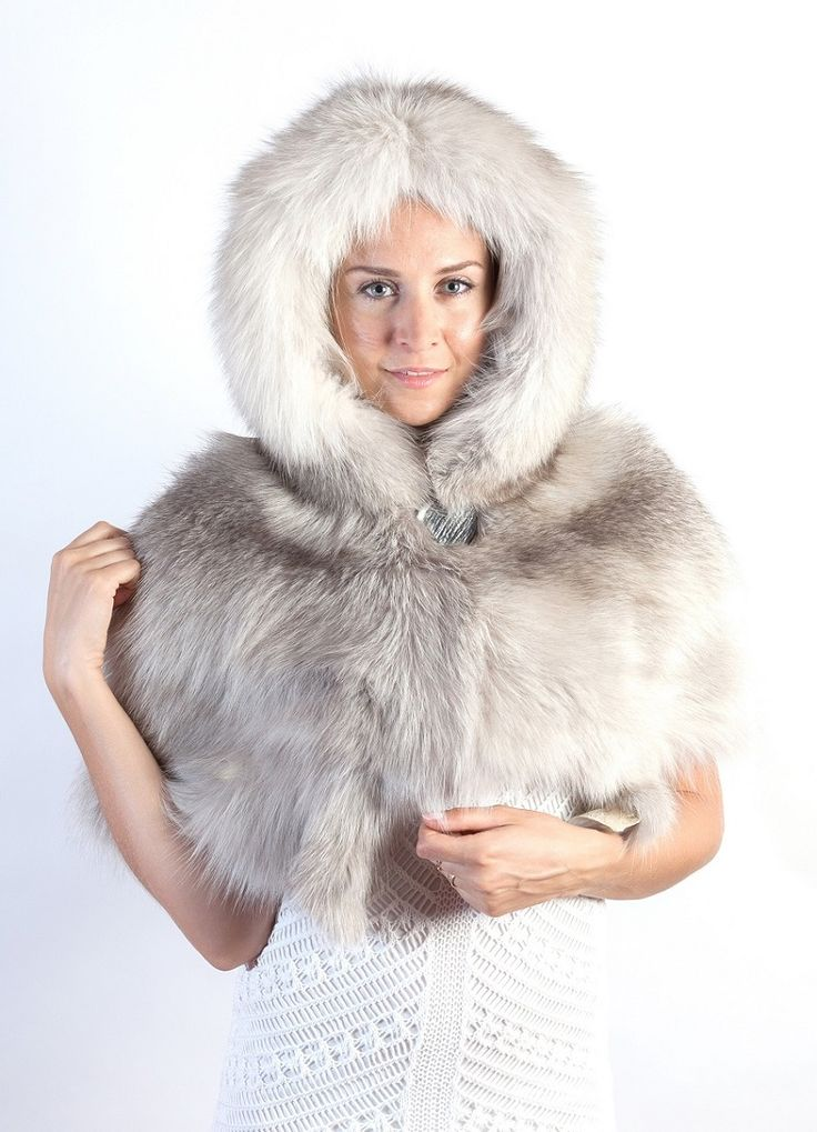 Sapphire fox fur cape - with hood. Scandinavian SAGA sapphire fox. Made in Italy. Amifur.com