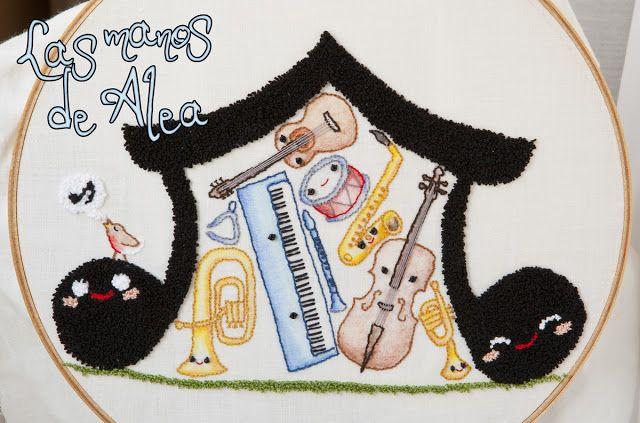 Musical Embroidery II - Bordado musical II by Las manos de Alea