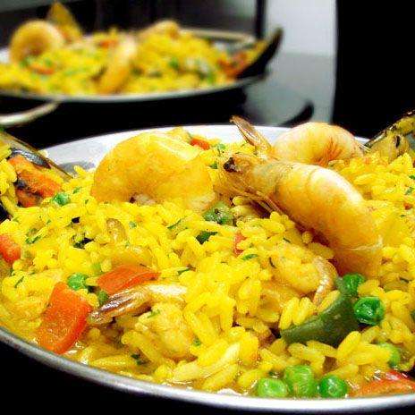 A Espanha é conhecida por sua elaborada e deliciosa culinária.  O mais famoso dos pratos espanhóis, a paella, é muito apreciada no Brasil, mas há outros pratos típicos que não são tão conhecidos por aqui.