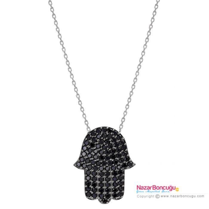 Siyah Fatma Ana Eli Kolye - Fatma Ana Eli kolyeler arasında, ışıltısı ile büyüleyen siyah zirkon taşlarla bezeli, eşsiz bir el kolyesi. 925 ayar gümüşten yapılmış olan bu kolye, siyahtan vazgeçemeyen hanımlar için.