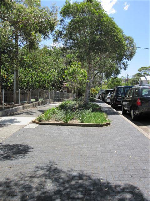 HydroSTON permeable concrete pavers used for a footpath at Hewlett Street, Bronte NSW, Australia.