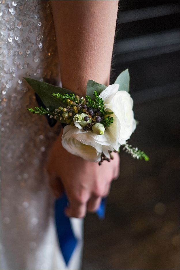 Decadent & Gold Luxe Bridal Inspiration Little Wedding Helper_0030                                                                                                                                                                                 More