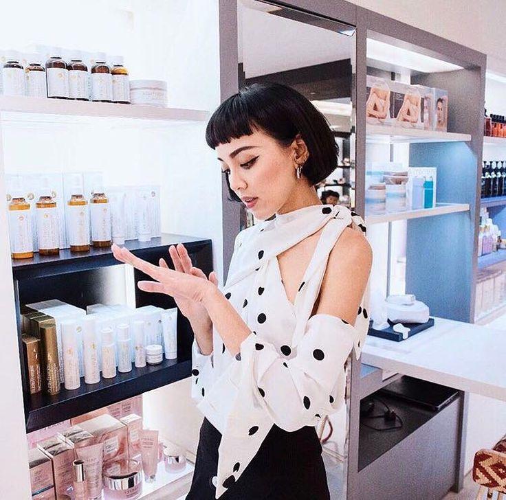 Kiwi 李函 trying Subtle Energies at JOYCE BEAUTY in Hong Kong | Blogger | Skincare | Ayurveda | Aromatherapy