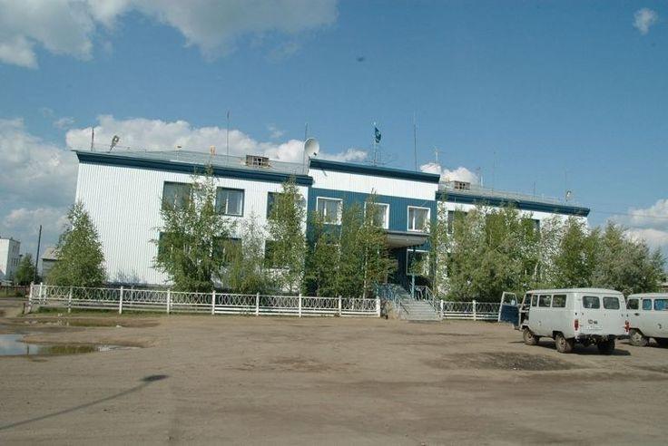 Прокурор Нюрбы Артем Ильин совместно с УФСБ России по Якутии провели проверку еще одного улусного долгостроя+ Установлено, что в августе 2014 года между Инвестиционно-строительным управлением Нюрби…