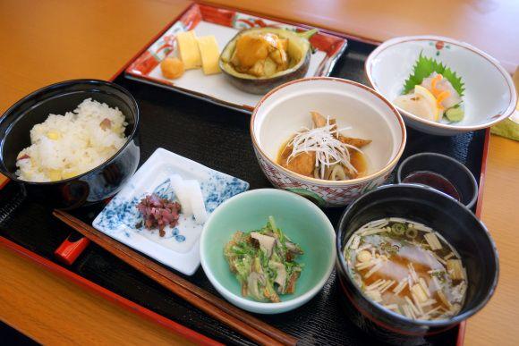 高額な京料理がたったの700円! 連日行列のできる『味鶴』に行ってみた!! #行ってみたい #京都