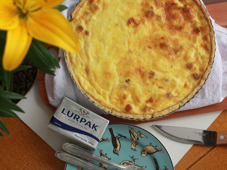 Aprenda a fazer a tradicional Quiche Lorraine. Receita completa em http://gordelicias.biz.