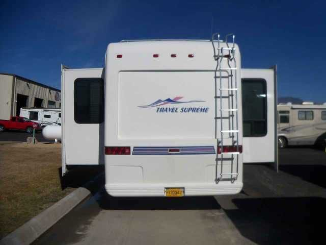 2001 Used Travel Supreme TRAVEL SUPREME M40RLTSO Fifth Wheel in Nevada NV.Recreational Vehicle, rv, 2001 Travel Supreme M-40RLTSO 40' Travel Supreme Luxury 5th wheel- Nice clean Fifth wheel Featureing: 3 Slideouts Full Width Rear Multi Use Cabinets Island Kitchen Entertainment system, TV Antenna w/ Power Booster Microwave Oven 3 Burner Gas Range w/ Oven Residential Full Size side by side Refrigerator. 2 x Air Conditioning Queen Island Bed Full Length Closet w/ Ample Drawer Storage Walk thru…