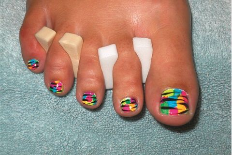 Neon stripes...Great for summer...follow link for tutorial =)