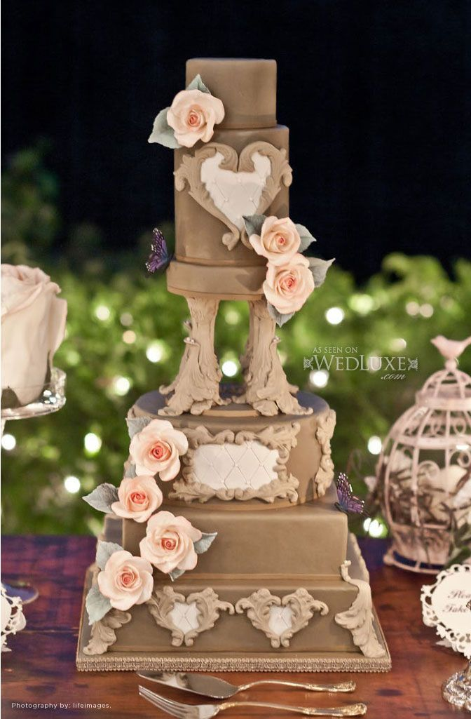 I really like in this cake how the layers re all different shapes and sizes.  It has a very rustic feel to it. Marleen