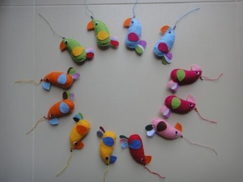 Filc papagájok (1 csomag = 12db) (400ft/db), Otthon, lakberendezés, Dekoráció, Kulcstartó, Gyerekszoba, Meska