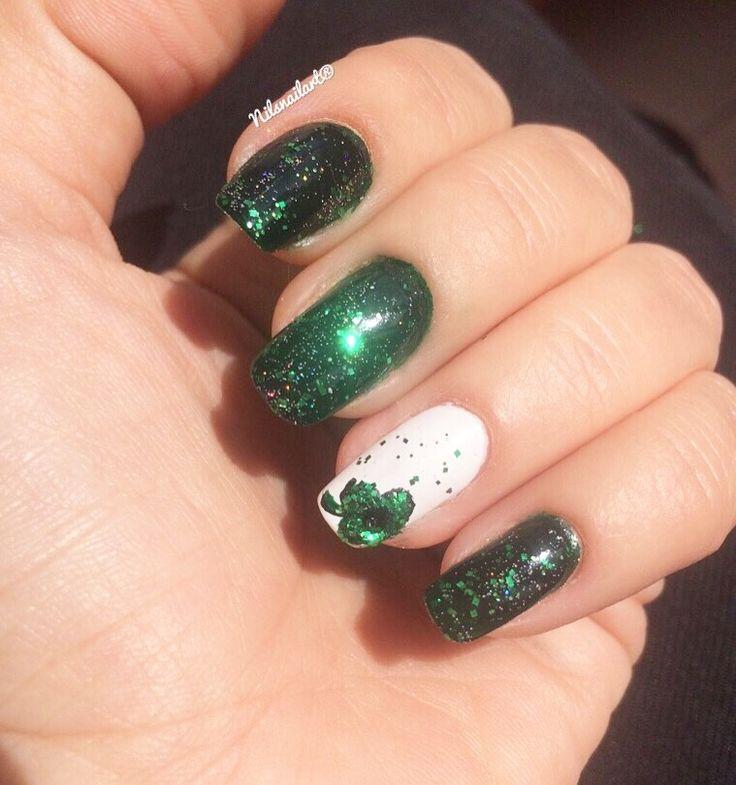 Nail art green saint patricks day white shiny