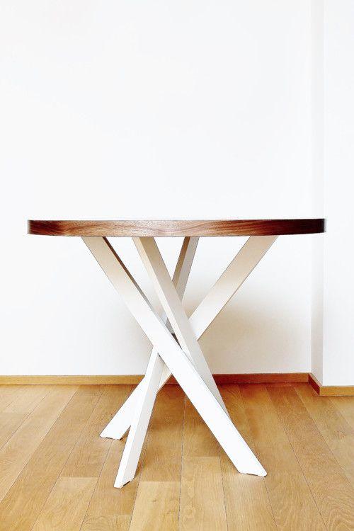 Jídelní stůl Twist