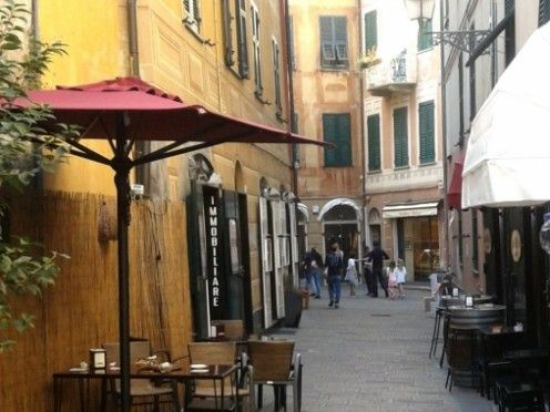 Silent bay, busy beaches, noisy festivals, fantastic Mediterranean weather, coastal walks and cycle trails, historical churches and buildings. Great food & fine wine. All available at Sestri Levante