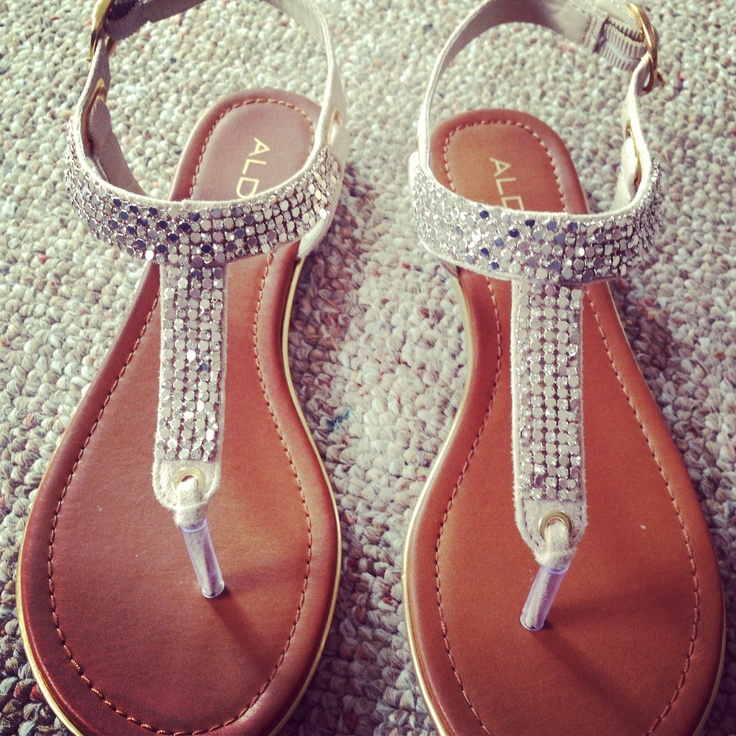 sparkly sandals for the bridesmaids!