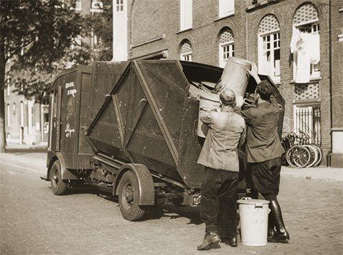 1940's. Municipal sanation truck of the Stadsreiniging in Amsterdam. #amsterdam #1940 #Stadsreiniging