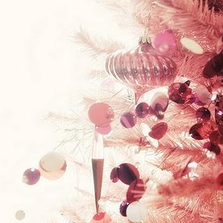 Pink Christmas Tree: Romantic Pink, Glasses Ornaments, Vintage Christmas, Pinkchristma, Pink Trees, Xmas, Holidays, Pink Christmas Trees, Christmas Trees Ornaments