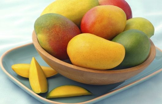Amazing Benefits of Mango - They say an apple a day will keep the doctor away. But what about mango? One of the healthiest fruits you can possibly have is the mango and the health benefits are quite overwhelming. Not only does a mango taste delicious but it helps to weight loss, prevent cancer, promote eye health, clear skin, lower cholesterol, diabetes, improve digestion, boosts your immune system, heat stroke, kidney stones, and even enhances sexual functions.