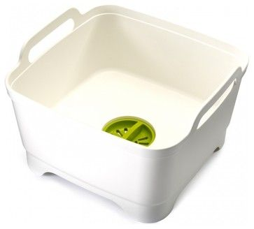 13 Lifehacks That Make Washing Dishes (A Little) Less Dreadful 1. Stack those dirty dishes in this handy basin instead of clogging up the sink. The best part? It has a drain that catches food scraps. http://www.houzz.com/photos/4746522/Wash---Drain--White-modern-dish-racks-