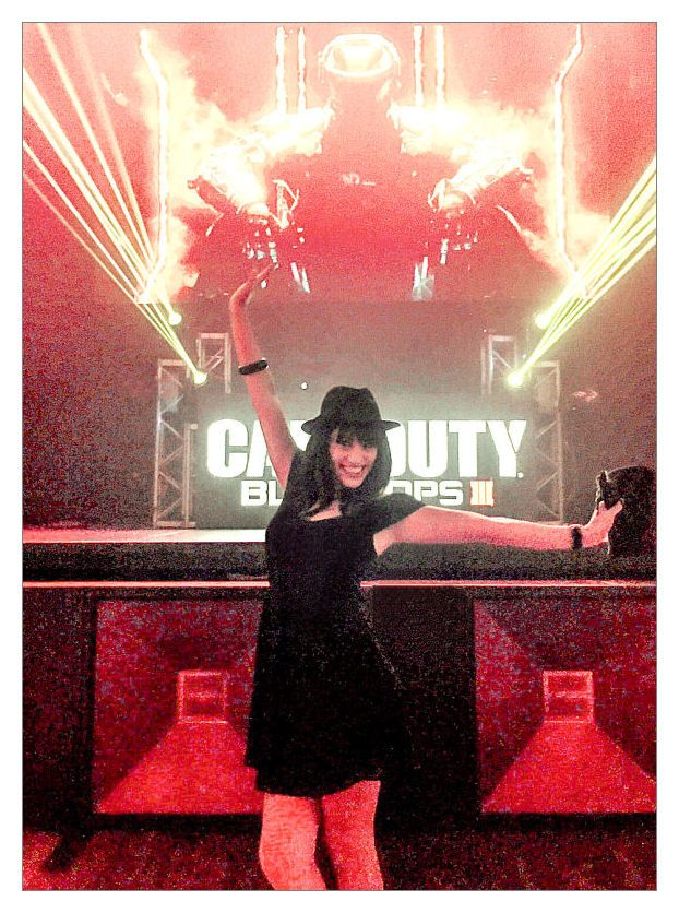 #FemmeFatale (actree Lisa Catara) at the Treyarch / Activision/ Black Ops 3 wrap party at #Avalon in Hollywood: #gaming #videogames #mocap #gamergirl #COD3 #entertainment #geek  #action #stunts #Jessica #zombies #codzombies #actress #blackops3 #bo3 entertainment #gamers #gamestagram #nerd #gamingcontent #gamebabes #gamestagr