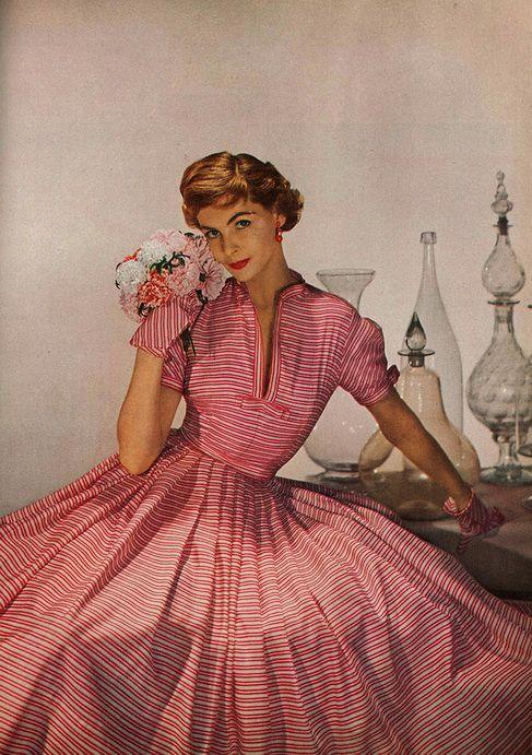 Harper's Bazaar April 1952    Photo by Louise Dahl Wolfe