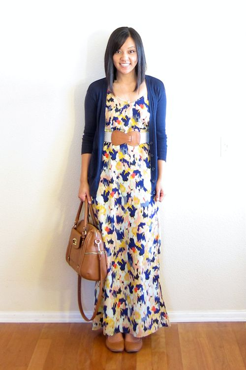 Putting Me Together: Maxi Dress in the Fall.  Maxi dress with wide belt, long cardigan and flats.  Love.