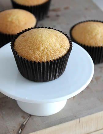Het basisrecept cupcakes maken | Het beste recept voor de mooiste cupcakes! | Cupcakerecepten.nl