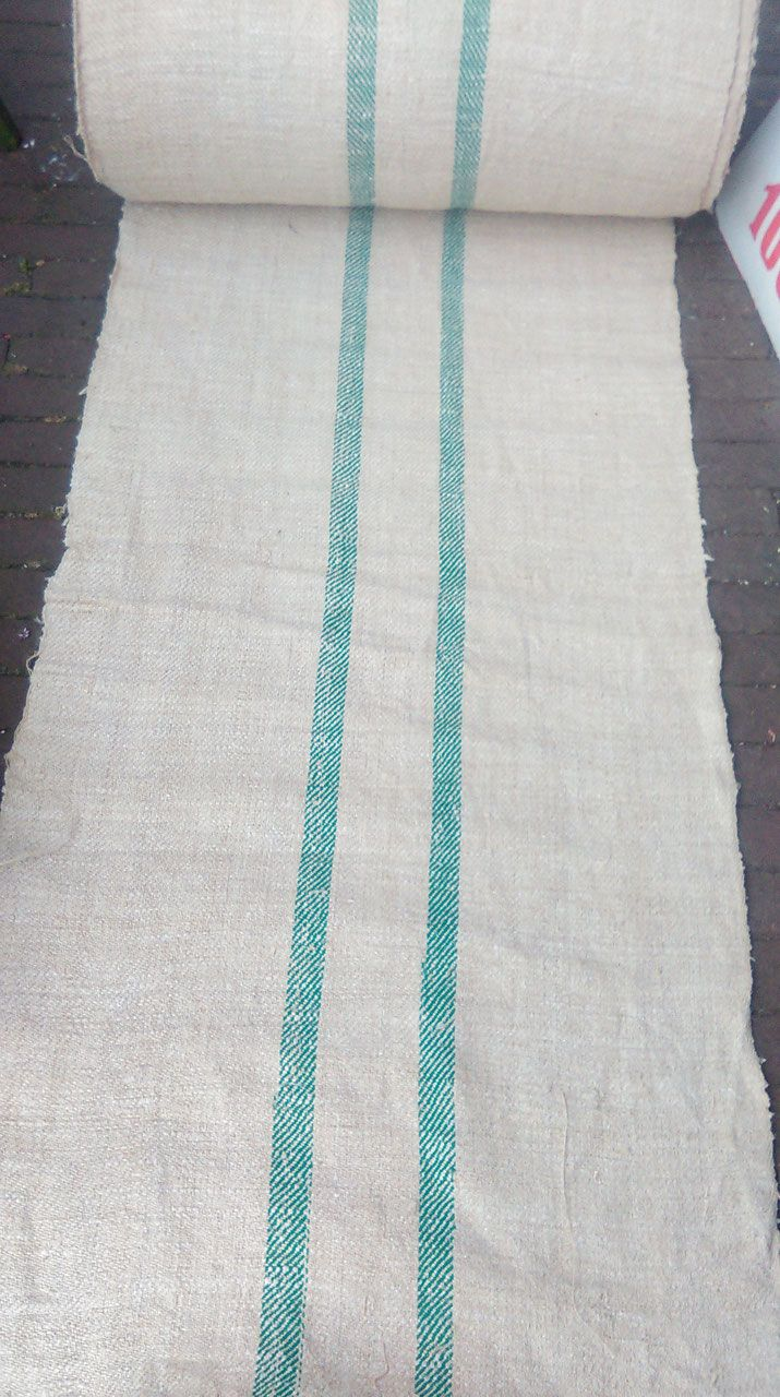 Mooie meelzakkenstof groene strepen op rol van vlas en hennep, breedte 54 cm, prijs per meter