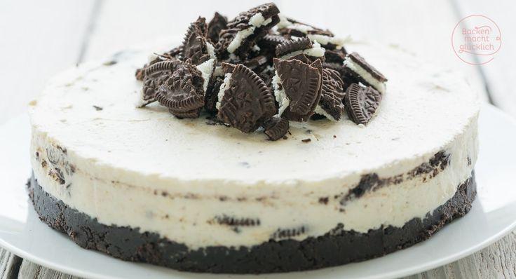 Knusprige Kekse, sahnige Creme: Wer Oreos mag, wird diese Oreo-Torte lieben! Der Oreo Cheesecake ohne Gelatine schmeckt einfach köstlich!