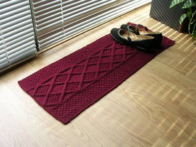 Reliquary Arts: Corrupting the Common Craft: New Knitting Pattern: One Skein Shoe Rug Free / charted