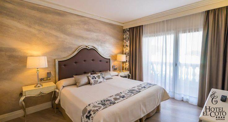 HABITACIONES  ¡Un lugar para soñar!  Disponemos de 50 habitaciones equipadas con todas las comodidades:  Balcón o terraza, aire acondicionado o calefacción, minibar, TV pantalla plana, caja de seguridad, canal de música, teléfono, WIFI gratuito, secador de pelo, espejo de aumento, artículos de cortesía, albornoz y zapatillas.  Las habitaciones individuales disponen de cama de matrimonio.... #hotelcoto #habitaciones #zimmer #coloniadesantjordi #mallorca