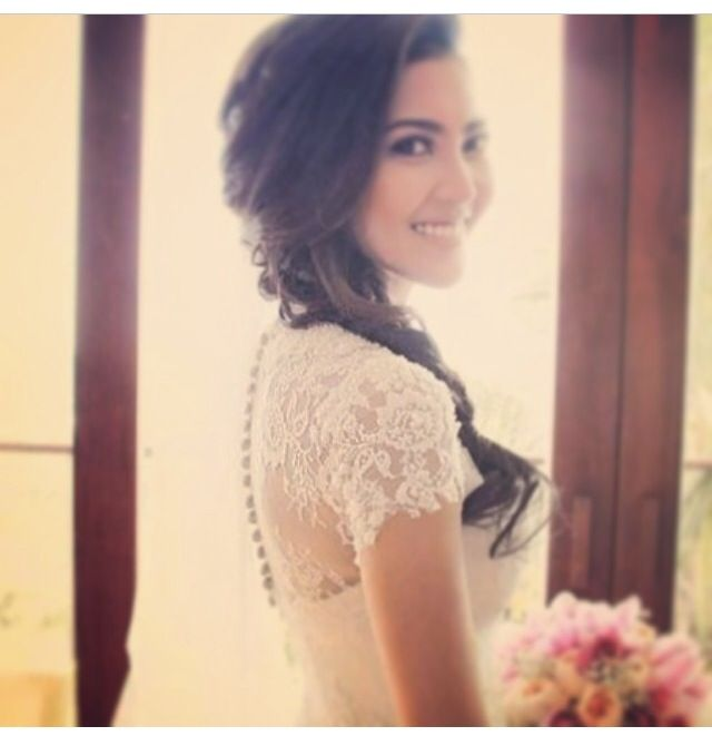 beautiful bride #wedding #weddingdress #lace #merras #merraswedding