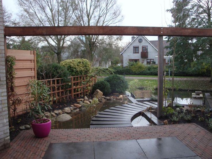 Tuinaanleg van een kleine tuin aan het water a collection of ideas to try about gardening met - Terras van huis ...