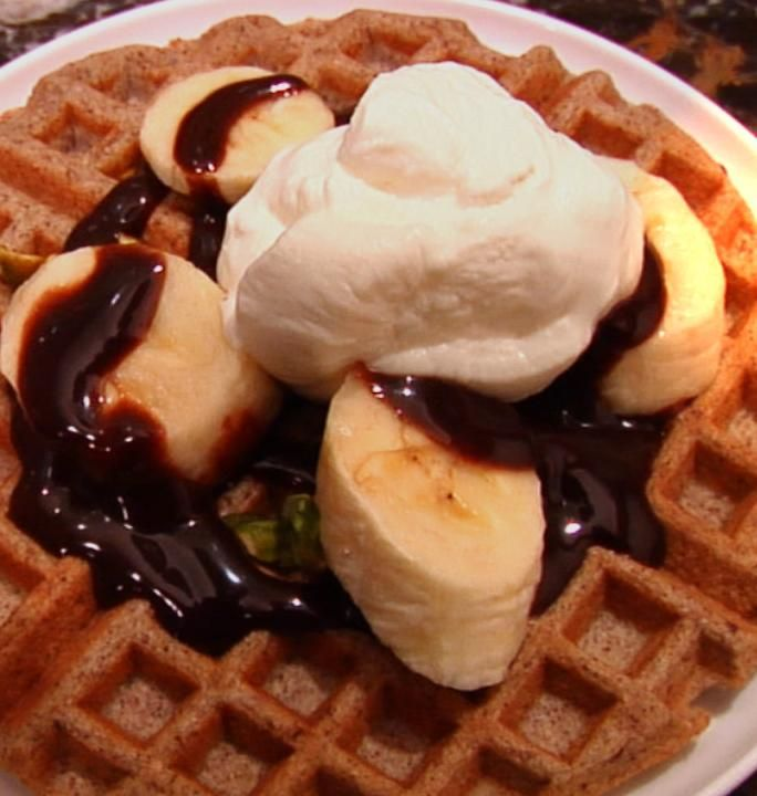 "How To Make Jorge Cruise's ""Skinny"" Waffles....will sub out the poison truvia with something healthy lol"